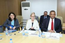 The Secretary of the US Department of Transportation, Mr. Anthony Foxx and a delegation meeting with the officials at NITI Aayog 1